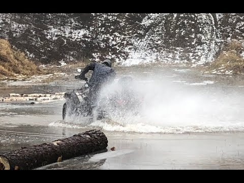 Cfmoto epic, Land Rover Discovery Offroad, Nissan Patrol shock.