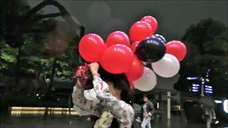 YouTube10周年記念イベントでパーティーを楽しい雰囲気に彩り飾ってた10...