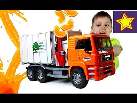 Мусоровоз Брудер делает апельсиновый сок Пробуем сок Video for children