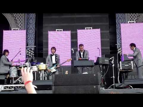 Soulwax - E Talking (LIVE) Parklife Sydney 2010