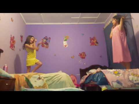 Cuando estoy con vos... Gabriela y Valentina las mejores amigas