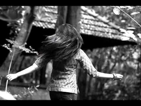 Mohabhanga Manasile Evergreen Malayalam song Elam manjin kurumai film Ninnishtam Ennishtam