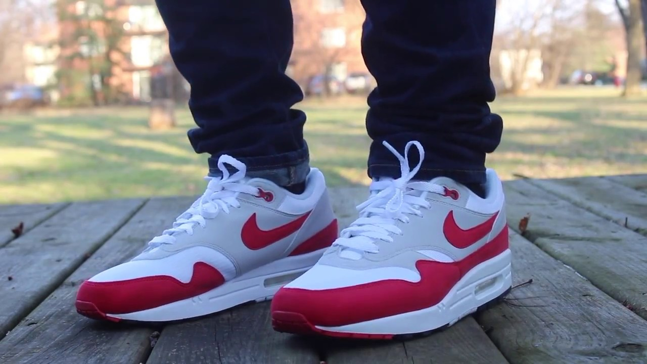 air max 1 anniversary red on feet