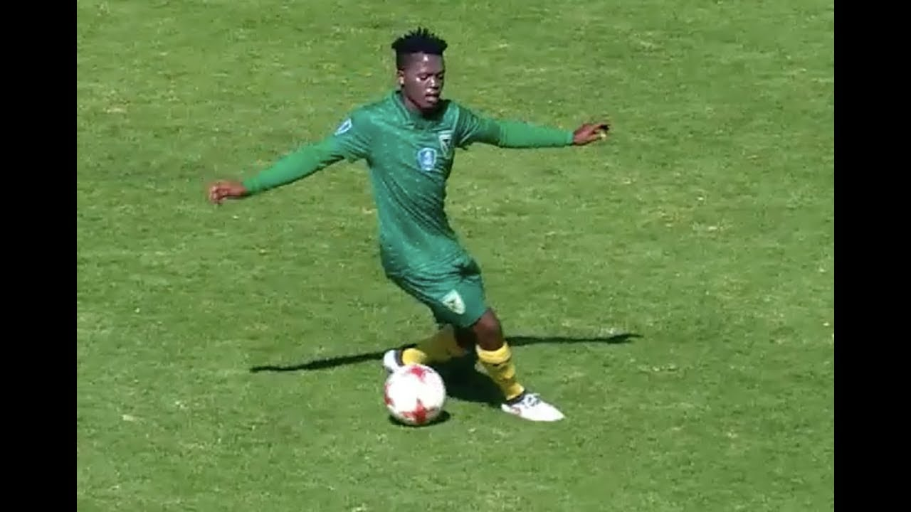 Kasi Flava 2018 🔥 South African Football Skills and Showboat - YouTube ccdd65962