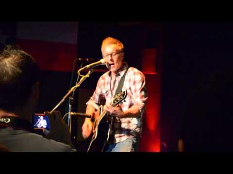 Vaden Todd Lewis of the Toadies does a solo live acoustic version of