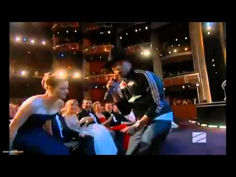 ▶ Pharrell Happy Oscar Awards 2014 HD live performance   YouTube 360p