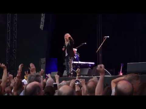 Patti Smith  Because The Night  Köln 2018