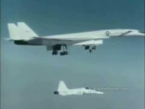 XB-70 Valkyrie - The Mach 3 bomber