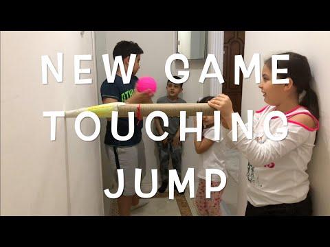 New Game TOUCHING JUMP Evde Oyun Oyna Yeni DEĞME ZIPLAT , Zıpzıp Park , Eğlenceli çocuk Videosu Ela