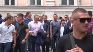 Президент України у Львові зустрівся з громадськістю та прогулявся центром міста
