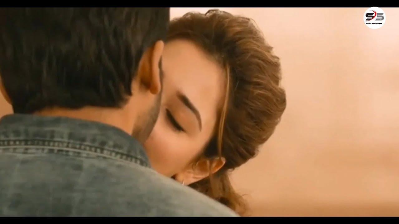 Download Tamanna bhatia best hot kiss scene | Karthi | South Movie | Kiss Scene