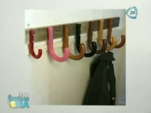 Percheros originales hechos con mangos de paraguas youtube - Percheros de pared originales ...
