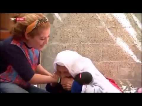 TRT Muhabirini ısıran Zombie Nene  :)))