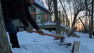 Small Off Grid Caḃin In The Winter