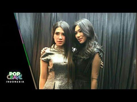 HEBOH! Via Vallen dan Isyana Sarasvati akhirnya bertemu dan foto bareng di Indonesian Choice Awards