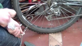 Самодельный насос из шприца для велосипеда