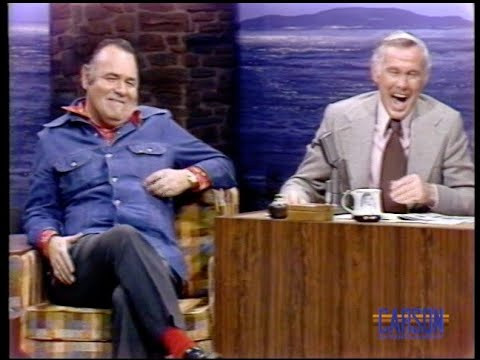 Jonathan Winters tells drinking stories of Johnny and him when they were younger