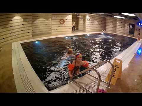 Radisson Blu Hotel Istanbul Sisli | Плаваем в бассейне | Swimming in the pool