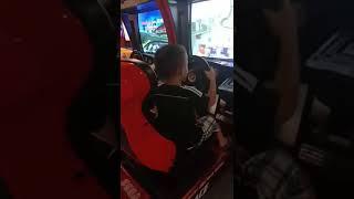 Chôm chơi lái xe