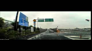 自動車専用道路入口でスピンして事故るmini