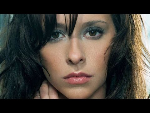 Why Hollywood Won † t Cast Jennifer Love Hewitt Anymore