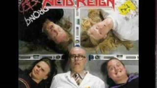 Acid Reign - Hangin