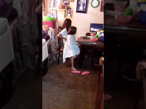Ashley peleando con karla dicimuladamente