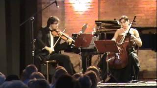 Dwie gitary, Wir gehen ins Theater, Portugiesischer Fischertanz - ARTES PIANO TRIO
