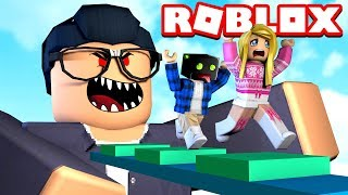 BÖSER LEHRER HUNTS US! Roblox [English/HD]