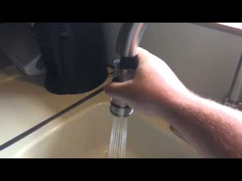Delta Llentown Single Handle Pull Down Sprayer Kitchen Faucet With
