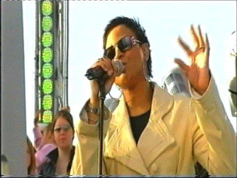 Gabrielle - Dreams Live 2004