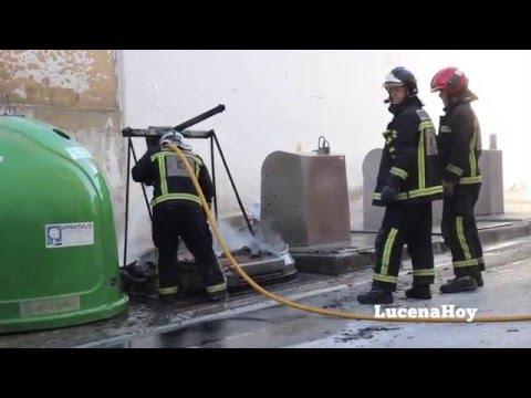Vídeo noticia: Nuevo incendio de un contenedor en la calle Zagrilla