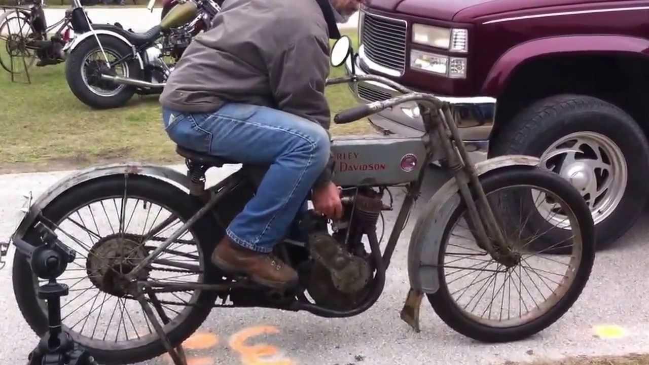 Harley Davidson: Starting A 1913 Harley Davidson