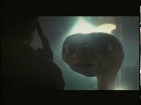 E.T. l'extra-terrestre (1982) - Trailer ITALIANO
