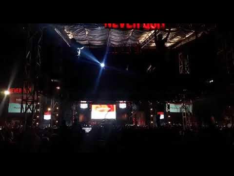 KEREEENN.. NOAH DAN TIPE X NYANYIKAN LAGU INDONESIA RAYA