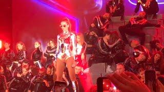 Смотреть видео Ольга Бузова - концерт 18 ноября 2018 в Москве 1 часть - Принимай меня, Губы, Нам будет жарко онлайн