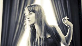 Johanna Kurkela - Sinä Nukut Siinä (Lyrics in description - Sanat kuvauksessa)