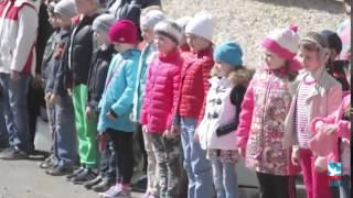 'Бал Победы'   Молодёжный танцевальный флэшмоб в честь Великой Победы г  Соликамск официальное видео(, 2015-05-23T09:46:21.000Z)