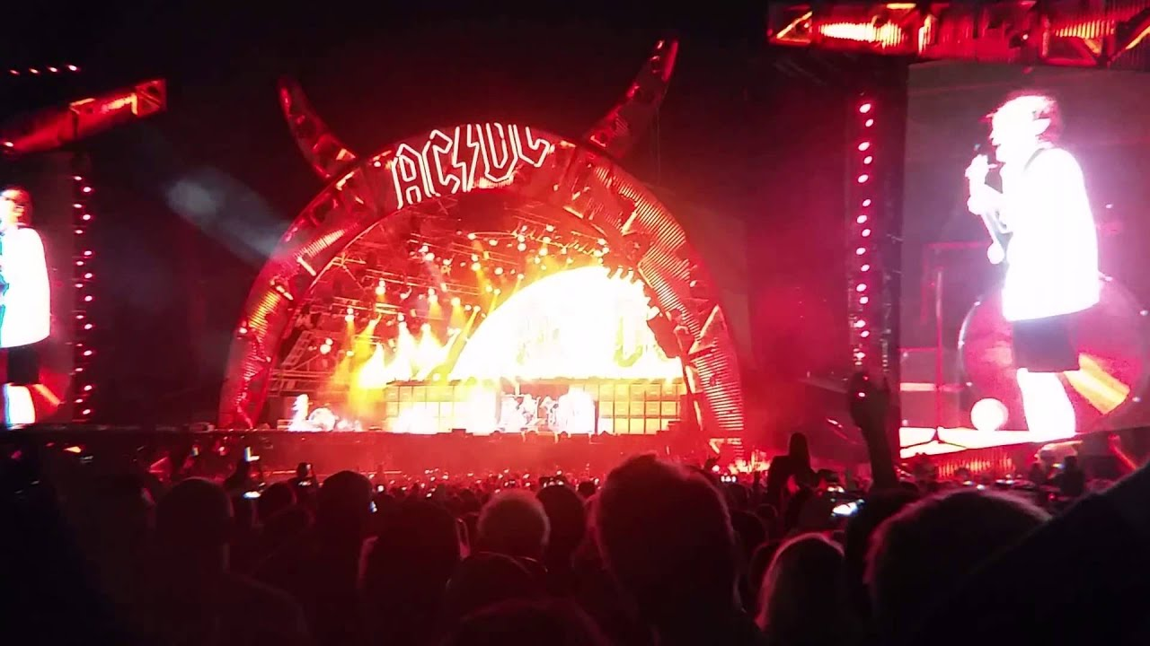 ACDC Highway to Hell Toronto Downsview Sept 10 2015 - YouTube