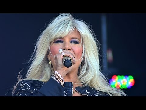 """Sexy Samantha Fox performing """"Touch Me (I Want Your Body)"""", Let's Rock Bristol, 6 June 2015"""