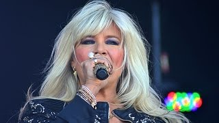 "Sexy Samantha Fox performing ""Touch Me (I Want Your Body)"", Let"