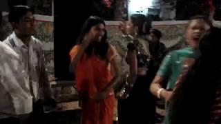 काला कौआ काट खायेगा ( The inside of a wedding dance in Ahmedabad )