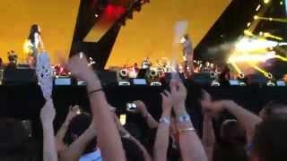 Gambar cover Run This Town / Renegade - Eminem & Rihanna (The Monster Tour in Detroit 8/22/2014)