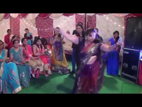 Do Ghut pila de Sathiya -song Drunk women Dance  with full Masti in party