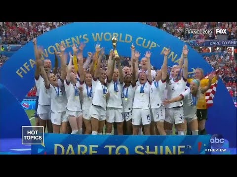 "world-cup-crowd-chants-""equal-pay""-following-u.s.-women's-win-