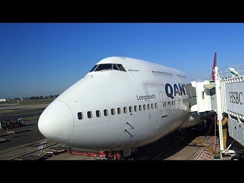 Qantas Tokyo Haneda to Sydney  - B747 Business Class Upper Deck