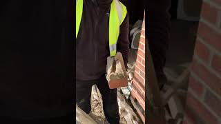 Bricklaying - Buttering A Brick