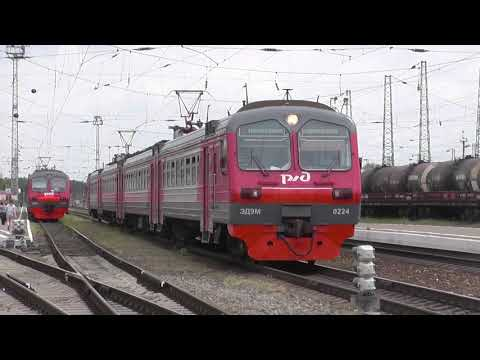 Электропоезд ЭД9М-0224 сообщением Кавказская - Тихорецкая