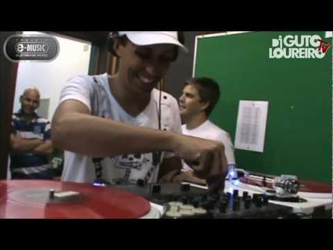 Guto Loureiro - Rádio UCDB FM - Programa E-Music Especial Flash Back (Vídeo 167)