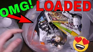 This BAG is LOADED with INCREDIBLE stuff!! Dumpster Dive Gamestop Night #469